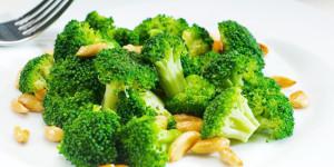 kebaikan-sayur-mayur-yang-berwarna-hijau