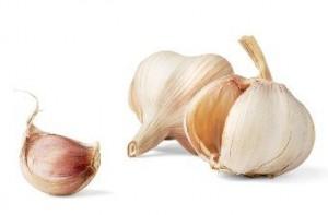 4 Manfaat Bawang Putih Bagi Kesehatan & Kulit (Teruji)