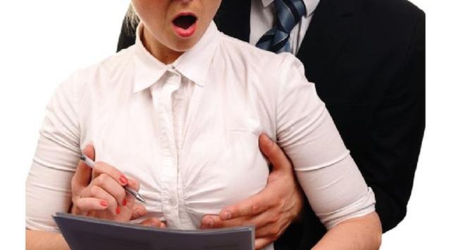 Mitos meremas payudara bisa bikin besar?
