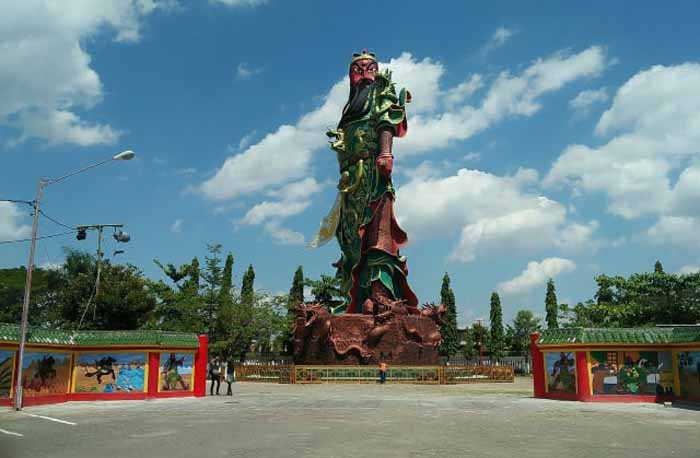 Kenapa Patung Kwan Sing Tee Koen di Klenteng Kwan Sing Bio Tuban jadi Kontroversi?