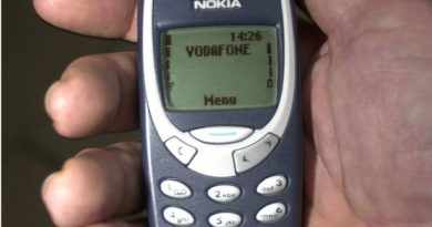 Nokia 3310 Jadul Kini Dijadikan Sex Toys Perempuan