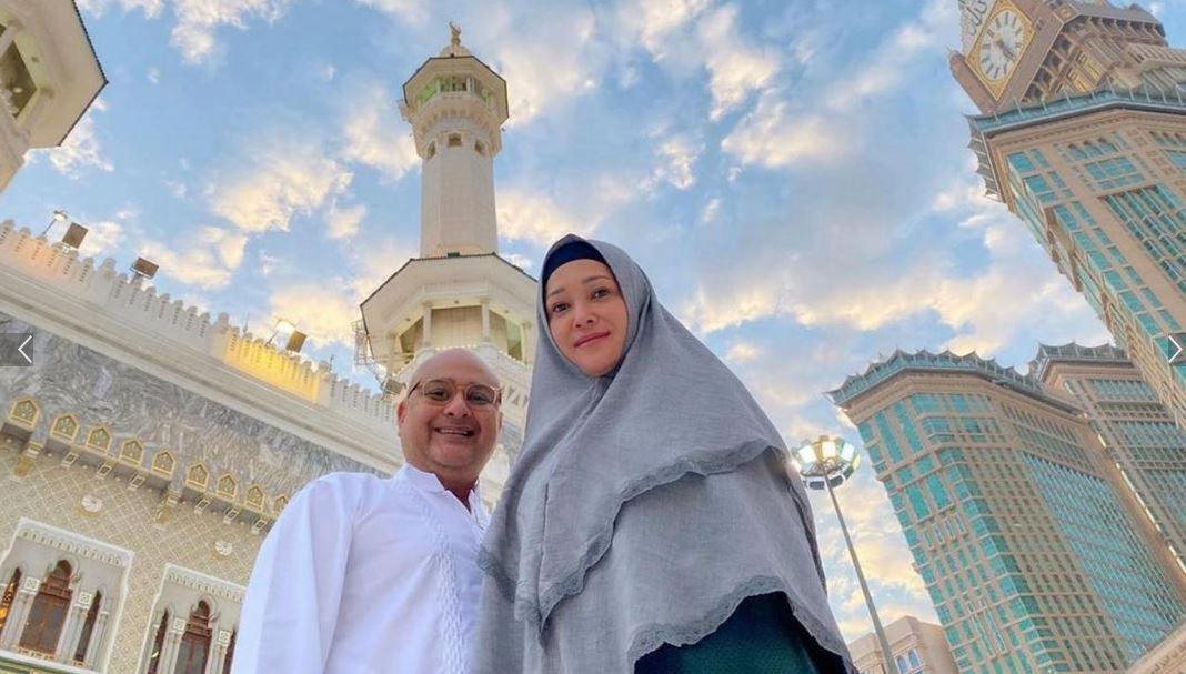 Momen Umrah Usai Maia Estianty dan Irwan Mussry Laksanakan Umrah