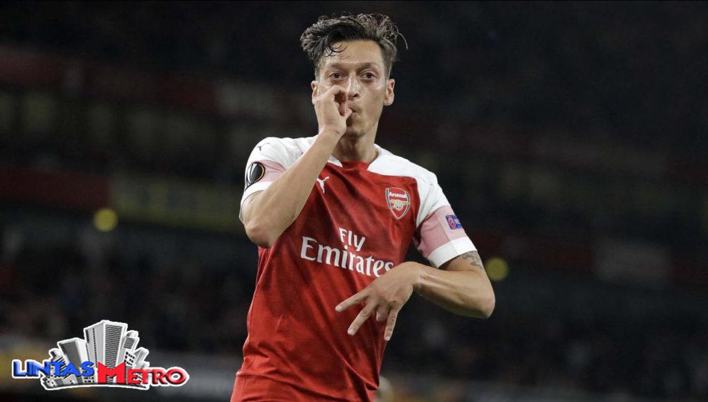 Mesut Ozil (AP/Kirsty Wigglesworth)