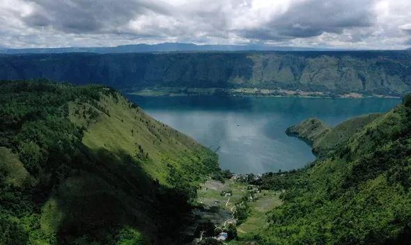 Tempat Terindah di Indonesia yang Telah Terkenal di Dunia