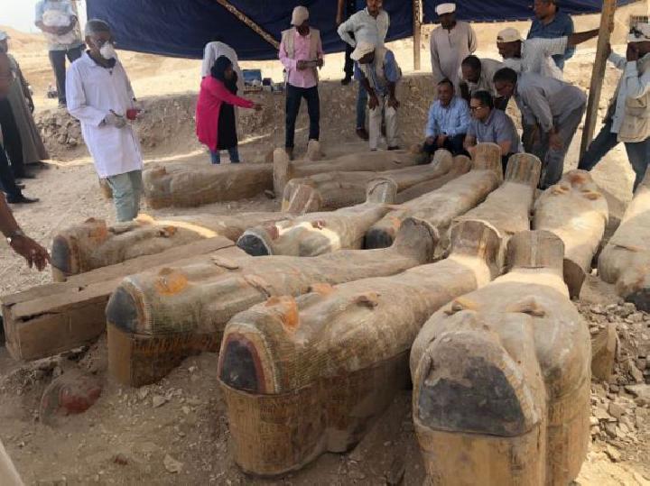 Penemuan 30 peti diMesir berisi mumi
