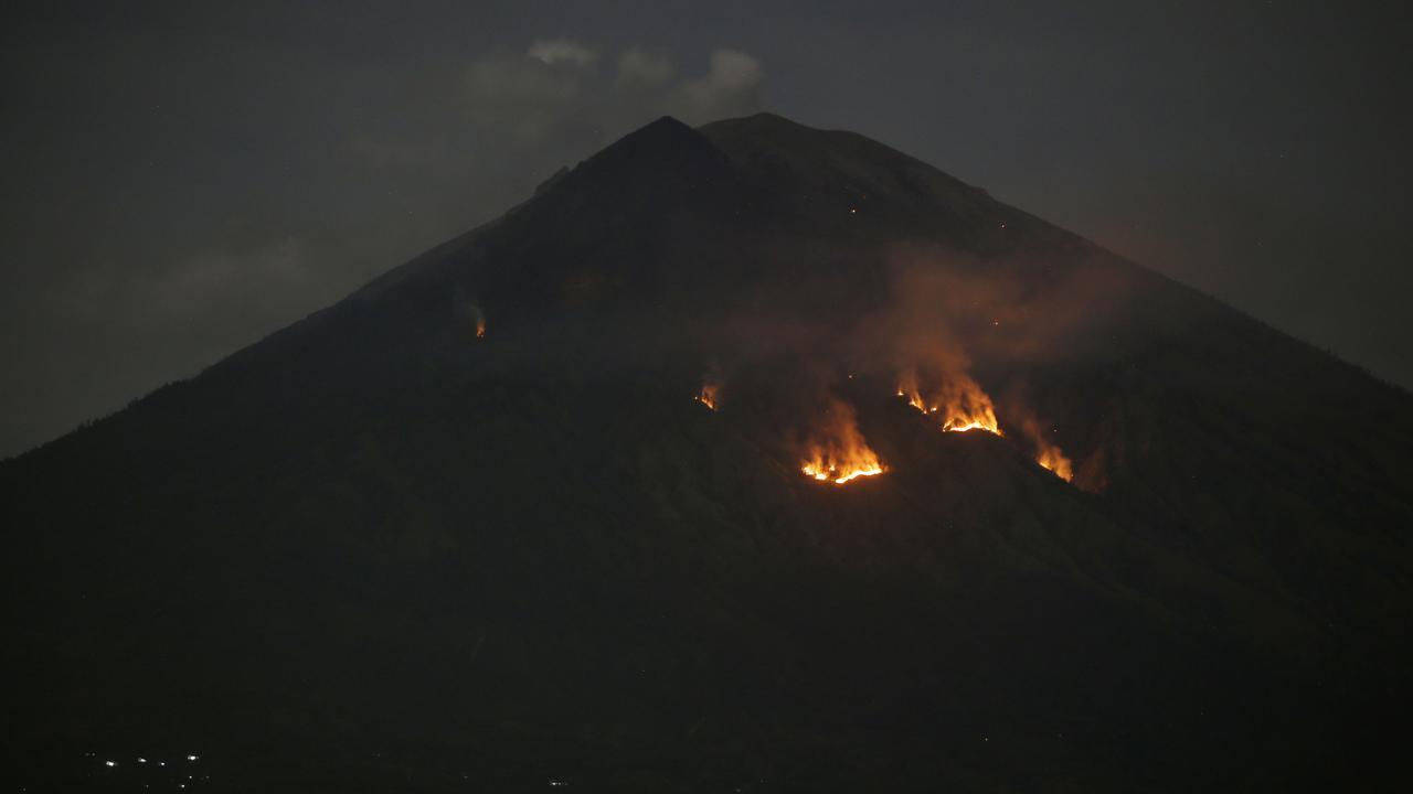 Gunung Agung kembali melanda Kebakaran dan cuaca panas