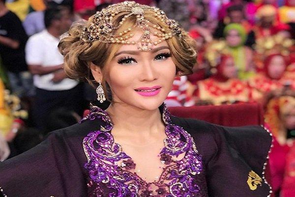 Kisah Inspiratif Kehidupan Artis Indonesia Menjadi Kaya Raya