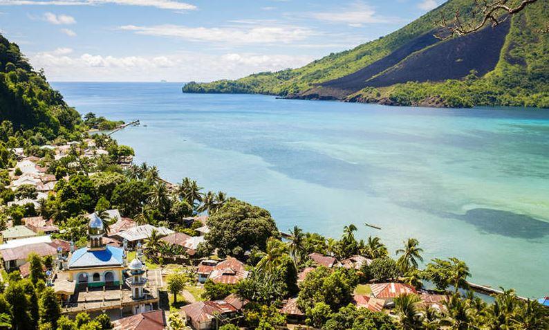 Banda Neira Pulau Cantik Peninggalan Sejarah