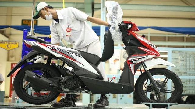 Pilih Honda Beat Atau Honda Vario