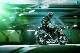 Model Terbaru Kawasaki-Z900 Resmi Masuk Pasar