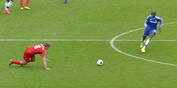 Aksi Terpeleset Steven Gerrard Melawan Chelsea