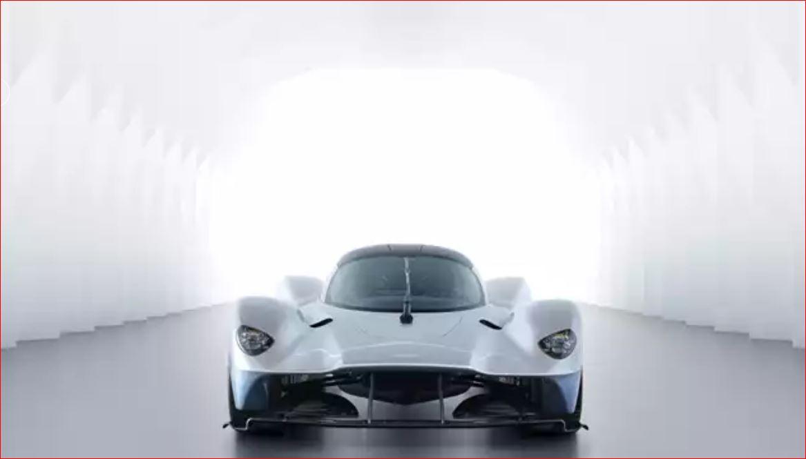Aston Martin Valkyrie Performa Dunia Lain