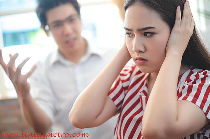 Pelajari Perbedaan Protektif dan Posesif dalam Hubungan