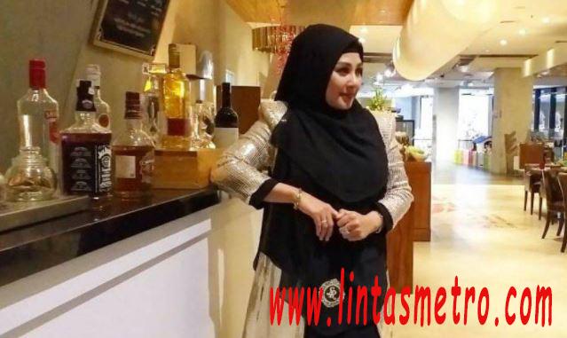 Mantan Istri Vicky Prasetyo Muncul Menagih Utang