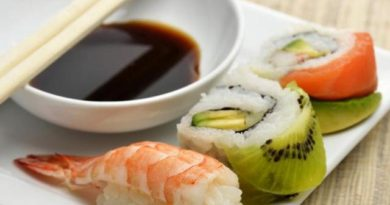 Tak Perlu Khawatir dengan Larva Cacing Saat Makan Sushi Mentah