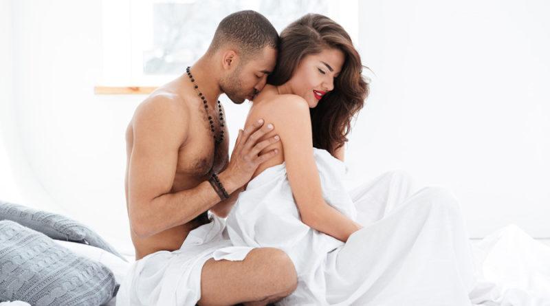 Apakah Penting Bercinta Setiap Hari Bagi Pasangan Suami-Istri