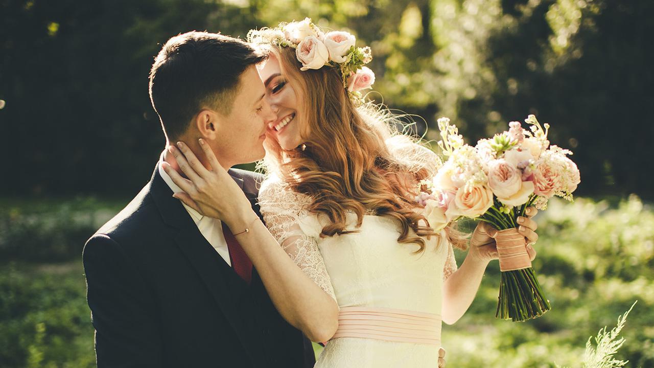 Banyak Pasangan Rela Bayar Ratusan Juta demi Foto Prewedding