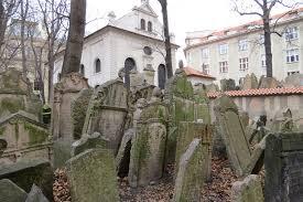 Tempat Kuburan Paling Seram Di Dunia,Jangan Coba-coba Melindasnya!