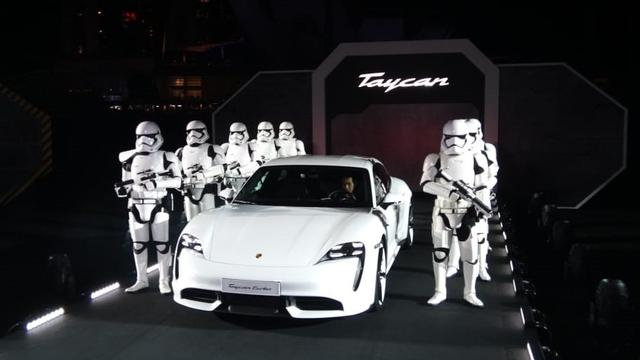 Porsche Resmi Perkenalkan Mobil Listrik Taycan