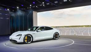 Mobil Listrik Porsche Taycan Masuk Indonesia
