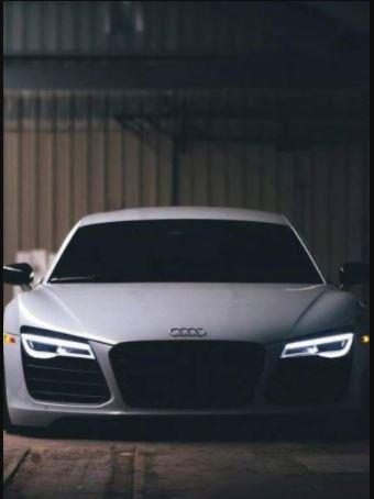 Audi-R8 Coupé Lahir Diarena Dan Dijalan
