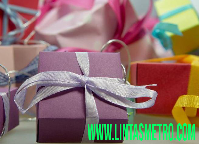 Hadiah Tahun Baru Untuk Orang Tersayang